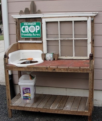 How to build a potting bench out of pallets